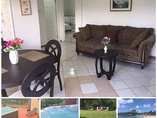 Sephina Villa Apartment, Golf & Garden Views, Hot Tub, Near Beach, Entertainment
