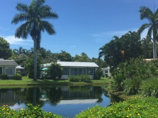 Quaint Detached 2 bed / 2 bath Bungalow NAPLES Florida