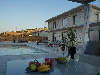 EvaVillas East, Private Pool & Panoramic Sea View