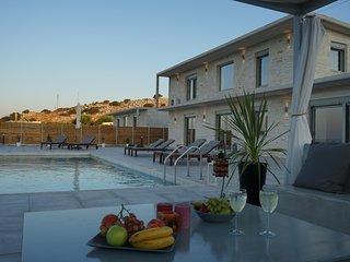 EvaVillas East, Private Pool & Panoramic Sea View
