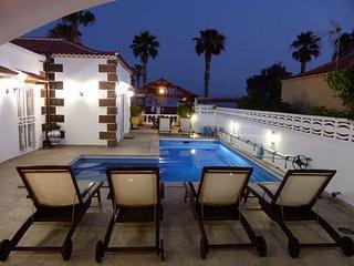 Reserva Directa Luxury Villa