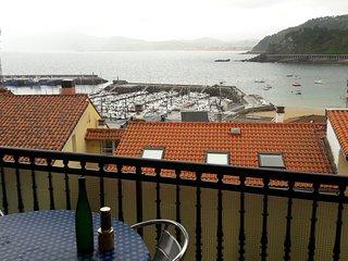 Centrico con Vistas totales mar y puerto.