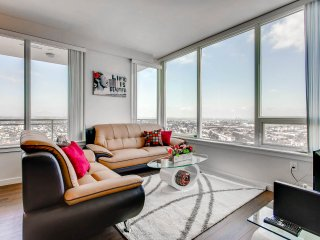 Modern Apt with Amazing View at San Diego Downtown (2909)