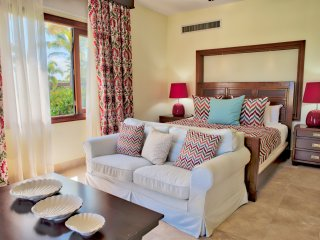 1st Floor Vacation Home w/ a mini pool at CapCana(1011)