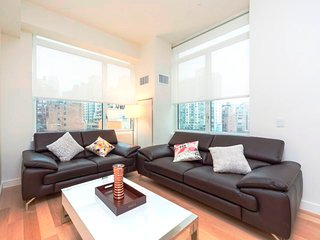LUXURIOUS 2BR-2BA APT WITH VIEWS-DOORMAN