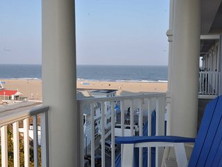 Georgeous Condo on the Boardwalk and Ocean Belmont Towers