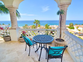 Breathtaking View from this beautiful 2BD condo!