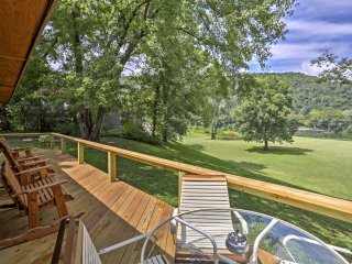 Pet-Friendly Cabin w/Deck - Steps to White River!