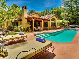 Summit Sanctuary.  Beverly Hills' Private Community w/heated pool and jacuzzi!!!