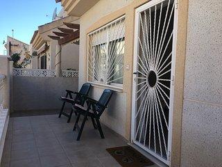 2 bed detached villa, south facing, sleeps 4, perfect holiday home