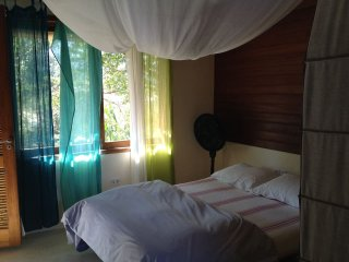 STYLISH SUITE, WIFI, KITCHEN, NR. HISTORIC PARATY