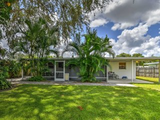NEW! 3BR Venice House w/Backyard - Close to Beach!