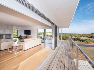The Bay House - Gracetown, Margaret River - overlooking Cowamaup Bay, stunning