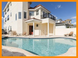 Reunion Resort 203 - 5* villa with private pool just 6 miles from Disney