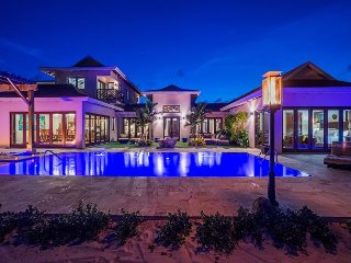 SUMMER SPECIAL—Chic 4BR Balinese—Stepping Stone by Luxury Cayman Villas