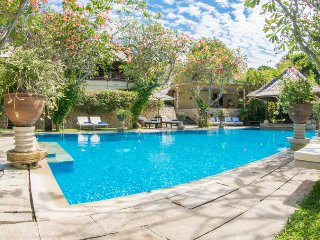 Huge Tropical Garden 7 Bedroom Villa, Nusa Dua;