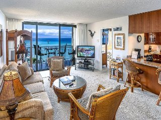 Epic Royal Kahana 1012 - Penthouse level Oceanfront condo!