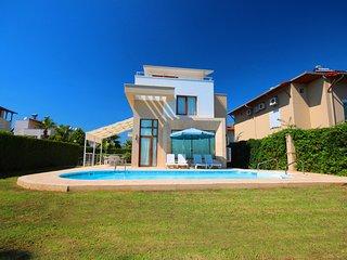 Paradise Town Family Villa