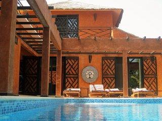 Magnifique et confortable Villa recente,hors residence avec piscine