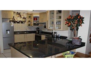 Apartment To Let: Margate, Margate, KwaZulu Natal 1934114 / JPGG-2381