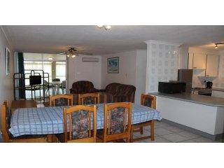 Apartment To Let: Margate, Margate, KwaZulu Natal 1933884 / JPGG-2380