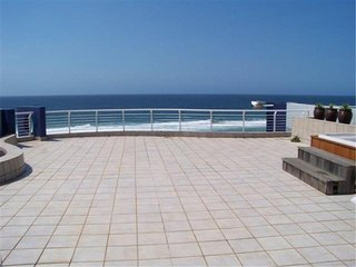Apartment To Let: Margate, Margate, KwaZulu Natal 1722636 / JPGG-1723