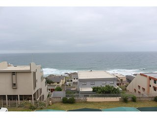 Apartment To Let: Manaba Beach, Margate, KwaZulu Natal 1393215 / JPGG-0911