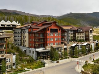 Luxury Ski In/Out Resort Village #3375 - Free Activities/Resort Discounts/Views