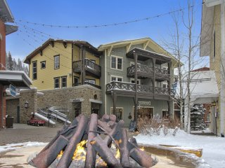 Ski In/Out Resort Village #111 - Free Activities/Great View/Pool Sized Hot Tub