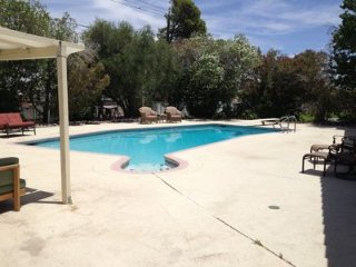 Spacious 6 BD 4 BA home with Game room, Pool & Hot tub