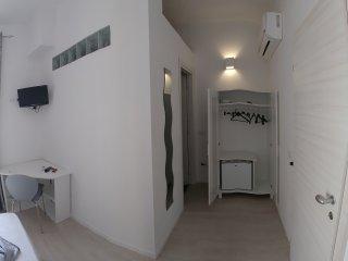 Camera indipendente con suo bagno centro Villanova