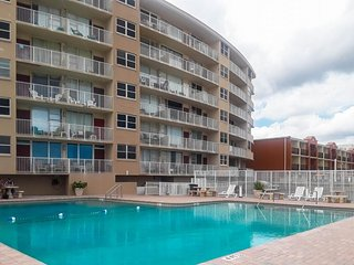 Convenient, oceanview condo w/ shared pool & gorgeous views from balcony