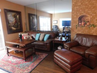1CBOD - ONE BEDROOM CONDO ON N PORTALES