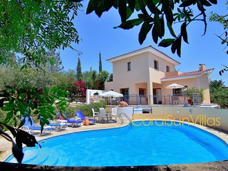 Large Pool & Garden, Sauna/Jacuzzi,Table tennis, Peaceful Area, Near to the Sea