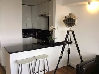 London apartment for rent with stunning views of London!