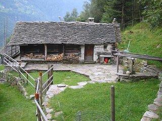Abenteuerrustico Arvigo, Alphütte für Abenteurer in Arvigo Monti nahe Bellinzona