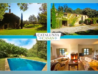 Cozy Villa Espinada for 6 guests, tucked away in the Catalonian countryside