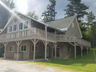 Contemporary Spacious 7br/6.5 bath home near Killington VT