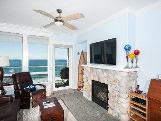 Beach Time - 3rd Floor Oceanfront Condo, Private Hot Tub, Indoor Pool, Wifi!