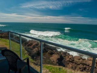 Sea View - Corner, Second Floor Oceanfront Condo, Hot Tub, Pool, Wifi & More!
