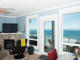 No Worries Mate - Top Floor Oceanfront Condo, Private Hot Tub, Indoor Pool, Wifi