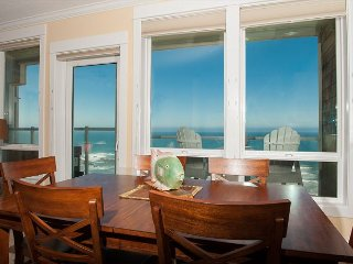 Seaside Breezes - 3rd Floor Oceanfront Condo, Private Hot Tub, Indoor Pool, Wifi