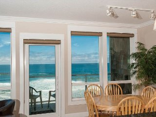 Ocean Retreat - 2nd Floor Oceanfront Condo, Private Hot Tub, Indoor Pool, Wifi!