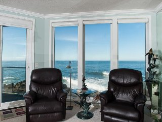 A Bit Of Heaven - Second Floor Oceanfront Condo, Hot Tub, Pool, Wifi & More!