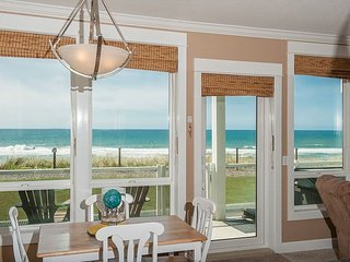 Pacific Escape - Corner Oceanfront Condo, Private Hot Tub, Indoor Pool, Wifi!