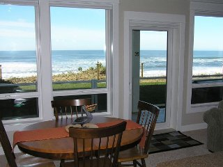 Fair Havens - Oceanfront Condo, Private Hot Tub, Indoor Pool, Wifi & More!