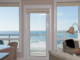 Sandcastles & Sunsets - 2nd Floor Oceanfront Condo, Private Hot Tub, Indoor Pool