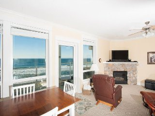 Dancing Dolphins - 2nd Floor Oceanfront Condo, Private Hot Tub, Indoor Pool/Wifi