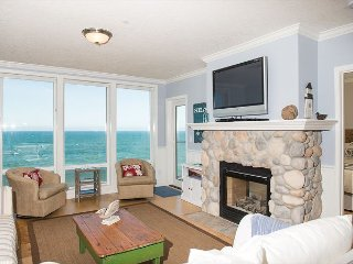 Waves 'n Whales - Second Floor Oceanfront Condo, Hot Tub, Pool, Wifi & More!