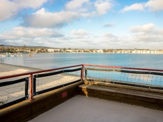Rooftop One Bedroom getaway w/private deck, hot tub and breathtaking views!